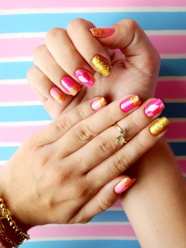 juliana leite unhas rosa glitter dourado coração amor holografic 008