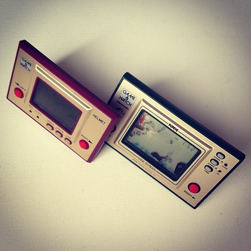 Artefact from the early 80s: Nintendo Game & Watch. #neoretrogizmos