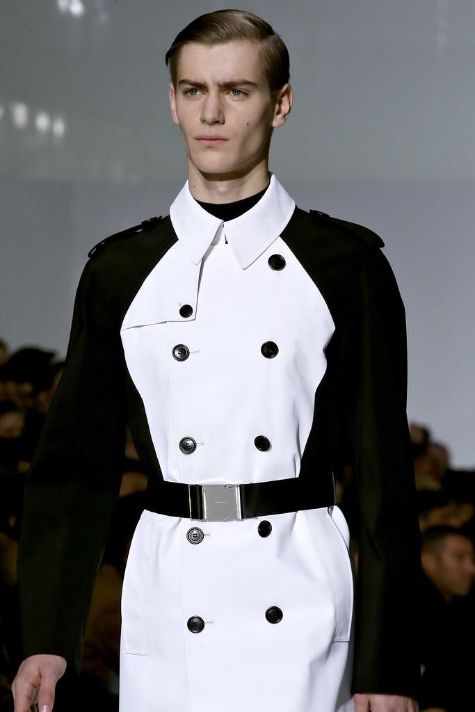 FW13 Paris Dior Homme072_Ben Allen(GQ.com)