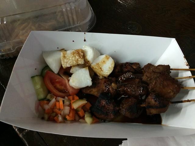 土, 2016-08-20 12:39 - Indonesian Food Bazaar @ St. James Episcopal Church, Elmhurst