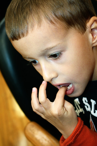 Nathan-wiggle-tooth