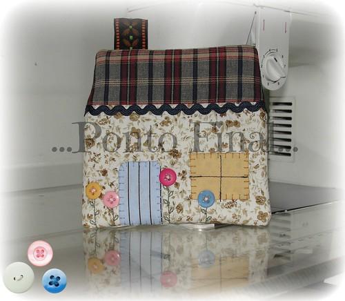 ...Porta moedas casinha... by Ponto Final - Patchwork