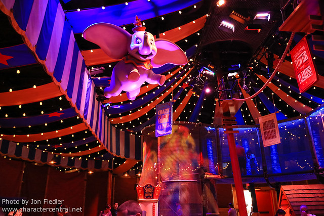 WDW Sept 2012 - Checking out the new Dumbo