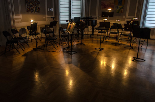 waiting for the musicians