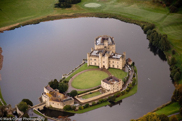 Helicopter Flying Lesson - Leeds Castle