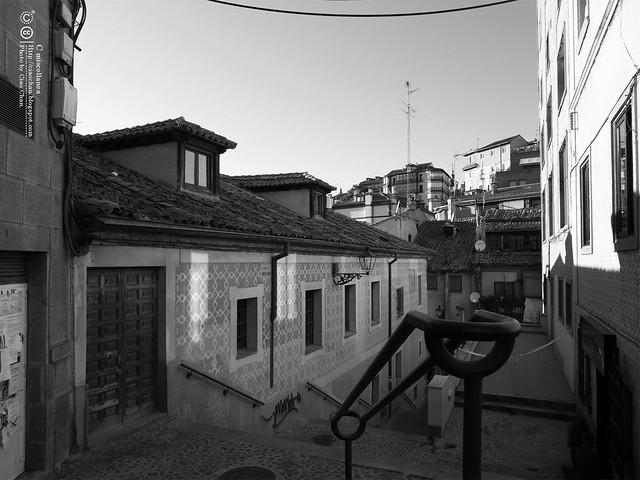 Hola Segovia~ 賽哥維亞。第一次看到建築奇蹟「羅馬水道橋」 R1044110