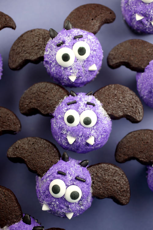 Miniature bat cupakes