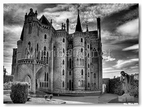 Palácio Episcopal de Gaudi by VRfoto