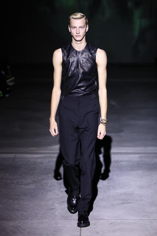 SS13 Tokyo DRESSEDUNDRESSED005_Benjamin Jarvis(Fashion Press)