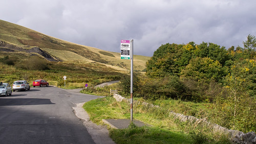 Former A625 road at Mam Tor, now abandoned