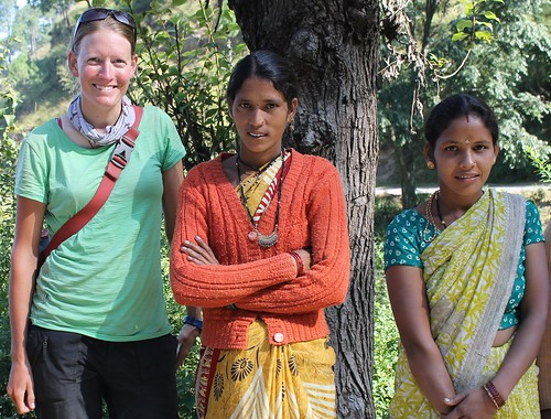 Chicas near Lohaghat