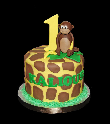 1st Birthdya Jungle Cupcake Tower Giraffe print with a monkey
