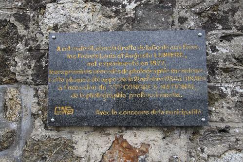 Plaque de la grotte de la Goule aux Fées
