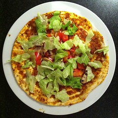 pizza(0.0), tostada(1.0), meal(1.0), breakfast(1.0), vegetarian food(1.0), tortilla(1.0), food(1.0), dish(1.0), cuisine(1.0),