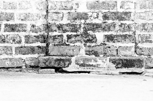 public domain picture brick wall