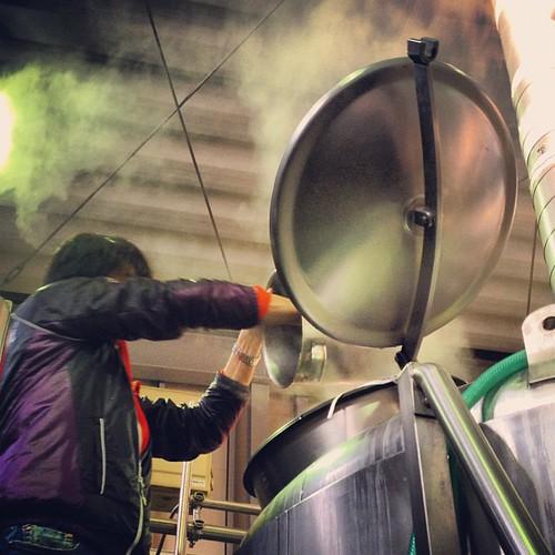 もやしもんコラボビールはホップを6回投入&ドライホップという、とにかくホップ大量使用のビール。通常は3回投入なので、倍以上です。