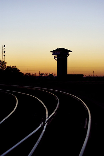 railroad silhouette sunrise nebraska tracks unionpacific northplatte communications glint railroadtracks communicationtower goldenspiketower billkessler billkeslerphotography billkesler billkesslerphotography