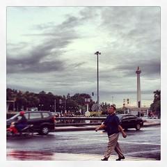 Cloudy Jakarta #instagram #webstagram #iphonesia #indonesia #jakarta #streetphotography #iphone #damniloveindonesia
