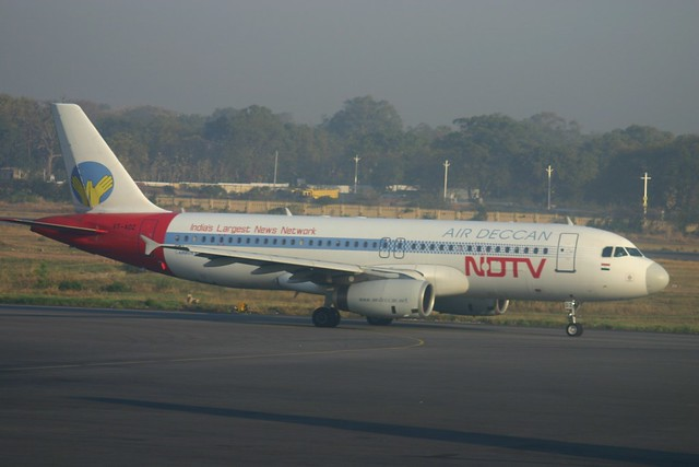 "VT-ADZ Airbus A.320 Air Deccan in ""NDTV Colours"""