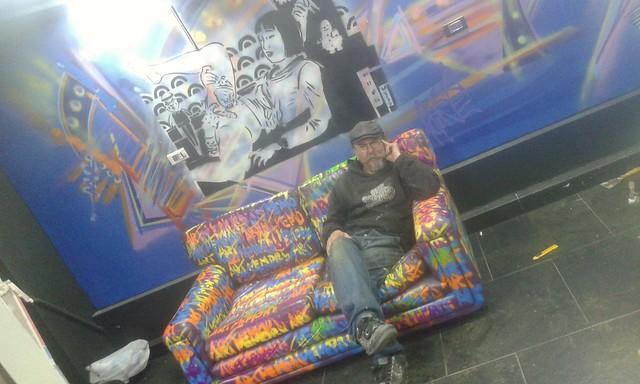 Couch graff