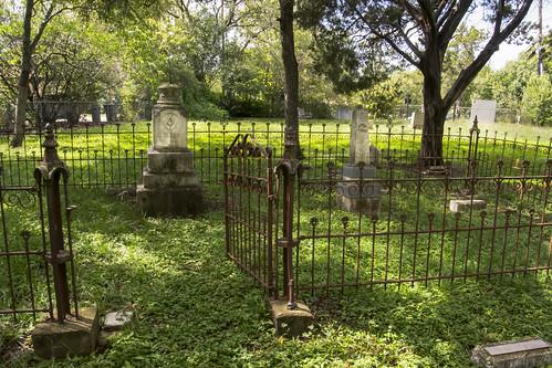 graveyard graves tombstonesgravesgraveyardtoomstones