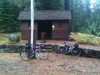 Clackamas Lake rando bikes
