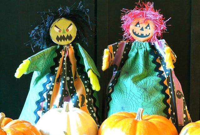 How to Make Halloween Puppets, Do Casual Origami, and Change Your Mind