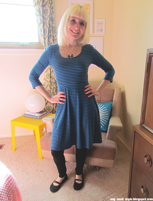 WIW8 BlueStripedDress4