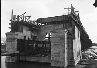 Ballard Bridge under construction, 1916