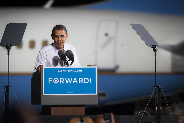 Obama on Cleveland Tarmac- OH-11