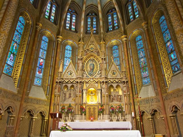 Altarpiece inside Matthias Church