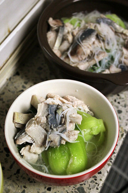 Noodles with Sliced Mackeral