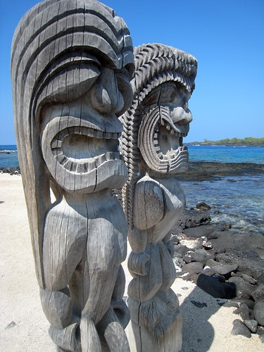 IMG_0792Two ki'i guardians at Pu'uhonua o Honaunau