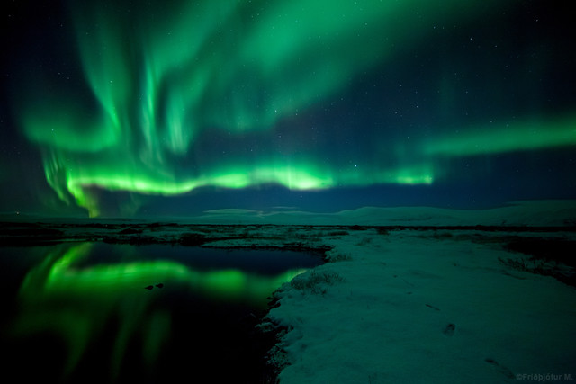 8383037165 069a2eac57 z Aurora Borealis: Weird Phenomenon, Awesome Photos.