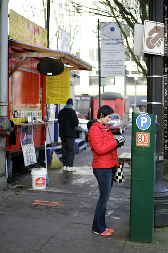paying the parking meter   breakfast at mothers    MG 1736