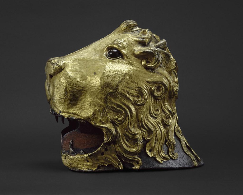④『ライオンの頭の兜』