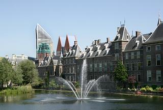 El Parlamento. Foto: Jochen Tack.