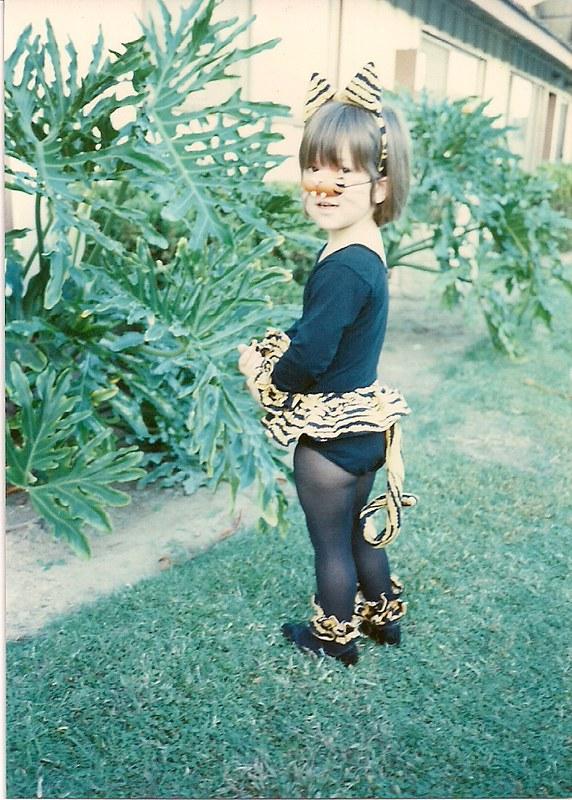 1989+ cat costume