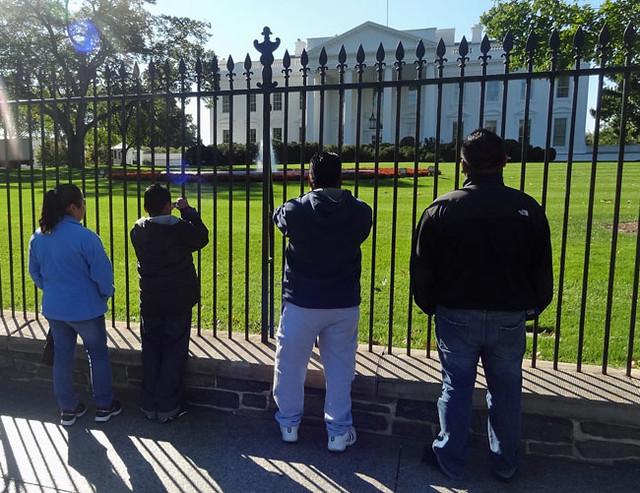 white-house-tourists
