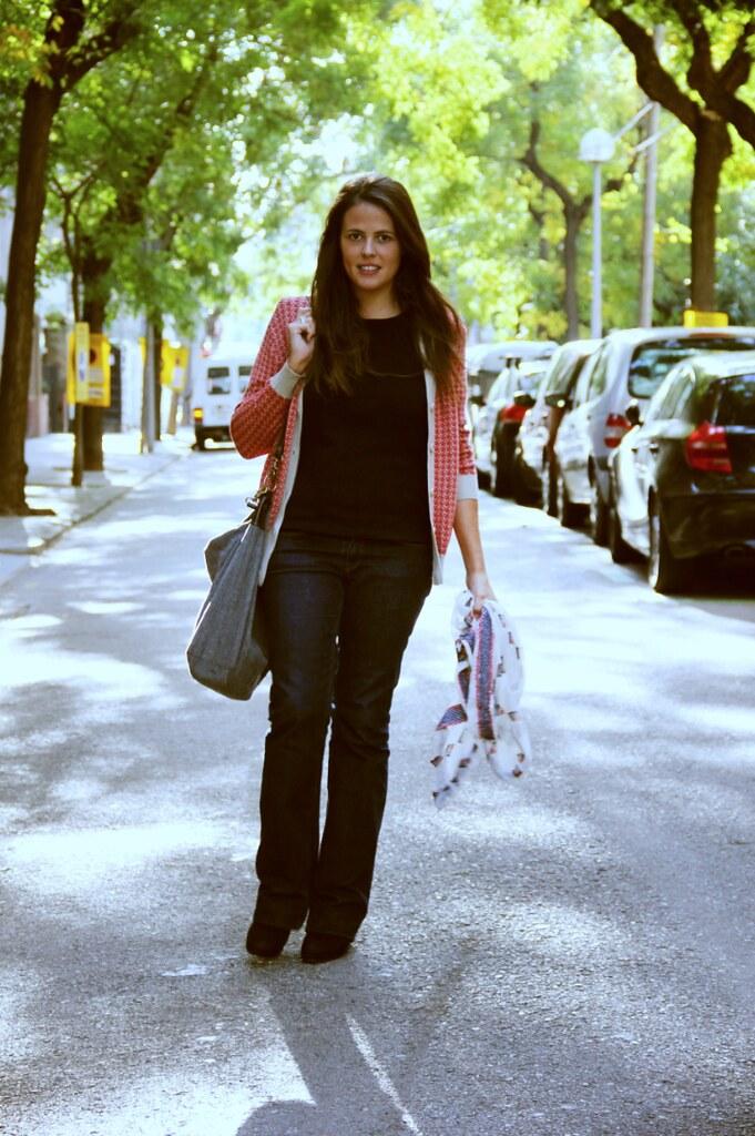 Look jeans acampanados + chaqueta pepa loves