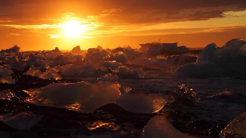 backlight canon contraluz island eos iceland islandia waves glacier iceberg gletscher vagues glaciar olas ísland contrejour jokulsarlon islande jökulsárlón izland eisberg ghiacciaio islanda 500d jökull gletsjer ijsland 冰河 氷河 קרחון isbjerg 冰山 איסלנד исландия buzul アイスランド 冰岛 айсберг stunningskies ледник 아이슬란드 빙하 tamron18270 빙산 sôngbăng 氷山 مثلجة buzdağı हिमनद آيسلندا आइसलैण्ड קרחוןימי băngtrôi جبلجليدي