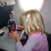 Freya spiller Nintende DS i flyveren