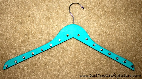 DIY Hanger Necklace Rack Idea