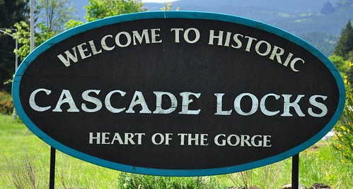 Welcome to Cascade Locks