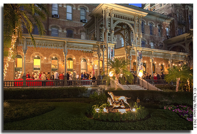 A private cocktail hour was held on the Veranda at the University of Tampa prior to the presentation_1