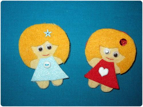 Broche Muñeca Fieltro - Azul y Rojo - ChikiPol