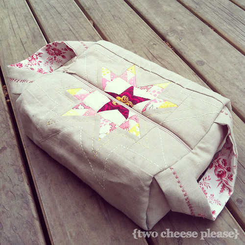 pouch made of linen and a patchwork star from the dear jane quilt