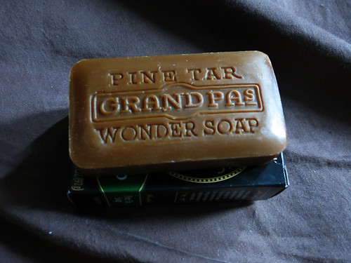 Grandpa's Wonder Pine Tar Soap  (4)