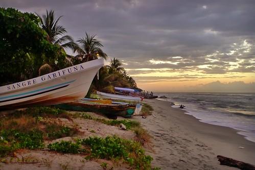 sunset coast blood honduras fishingboats garifuna sangre sambocreek