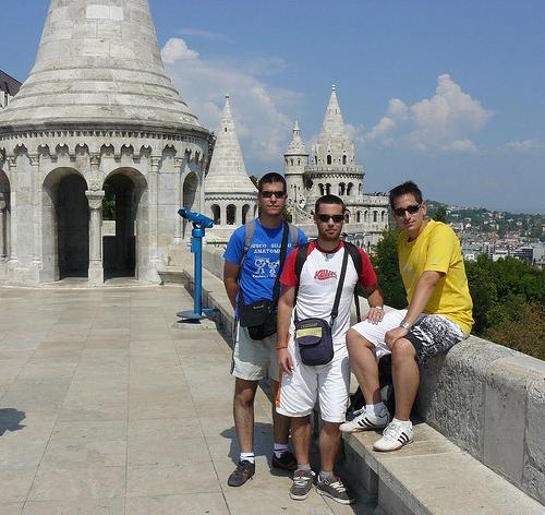 Julián, Edu y yo en el Bastión de los pescadores de Budapest